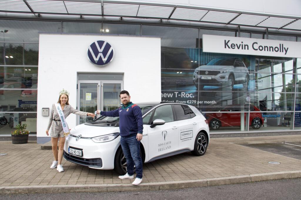 Miss Earth Ireland visit Volkswagen Ballina